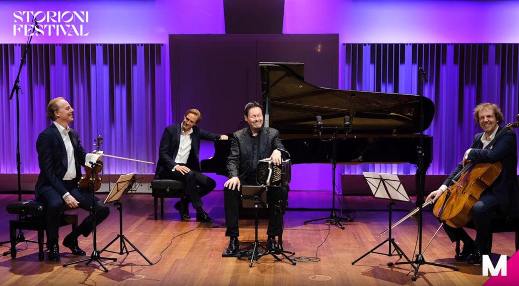 Carel Kraayenhof met het Storioni Trio